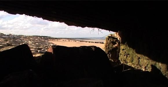 image de l'oeuvre Solitaire,pauvre,sordide,abrutie et courte - film de guerre de  Wagner Morales