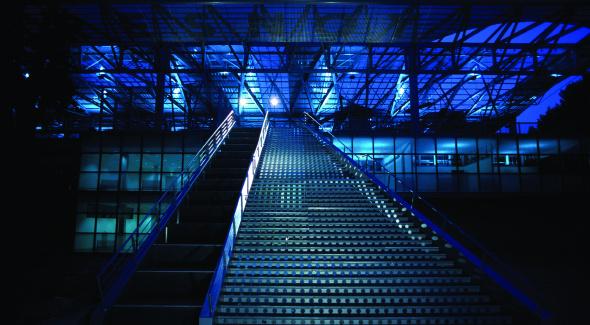 Le Fresnoy - vue de nuit, le grand escalier